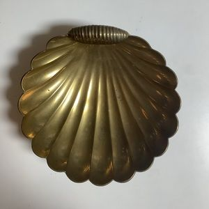 Vintage brass shell dish with feet